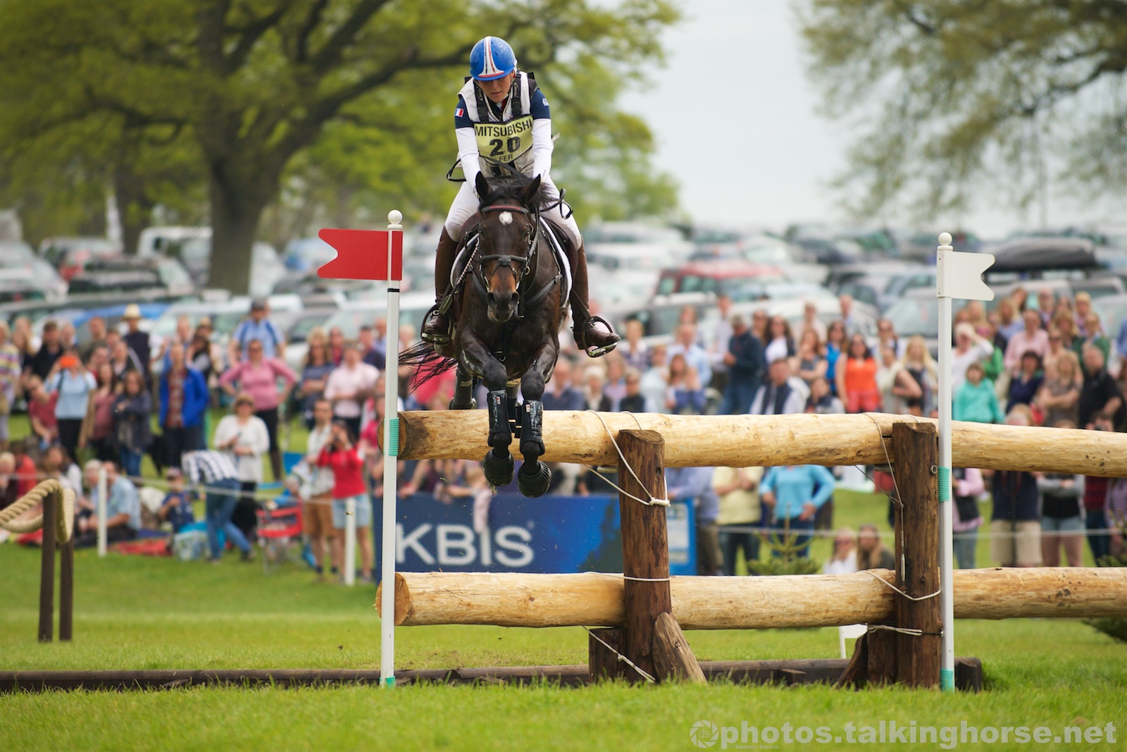 Gwendolen Fer & Romantic Love Jump The Vicarage Vee | Badminton Horse Trials 2016