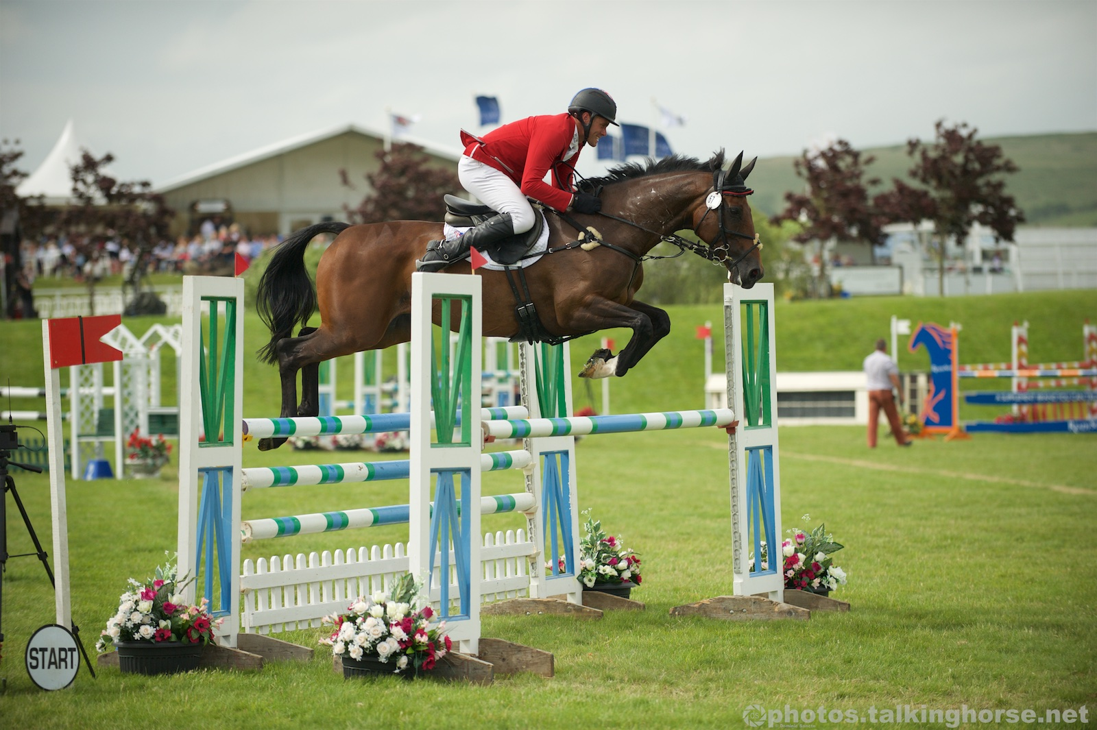 Paul Tapner & VANIR KAMIRA Showjump Clear In The CIC***